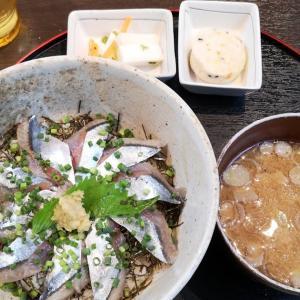 レイトランチは新橋駅前の居酒屋で「 #サンマ丼 」。新橋駅前ビル1号館2階「 #正味亭尾和 」