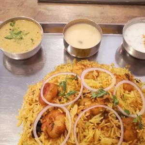 ダイエットが順調に進んでいるご褒美に大好きな #ビリヤニ ランチ 。「 #ナンディニ虎ノ門店 」で #シュリンプビリヤニ を #PayPay20%ポイントバック で