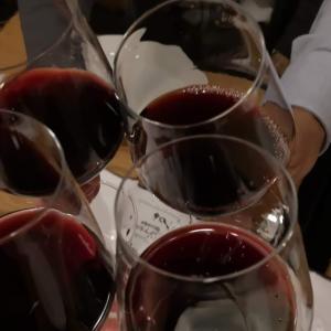 月例「下町はしご酒の会」新橋番外編② 「 #ビストロ・ソングラム新橋店 」で #ワイン でつまんでからの #締めパスタ
