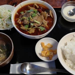 強烈な #麻辣 の刺激にKO。 #赤坂 「 #四川DINING望蜀瀘 」でランチ人気N0.3の「 #豚ハツタン野菜たっぷり煮込み 」は想像を超える辛さ