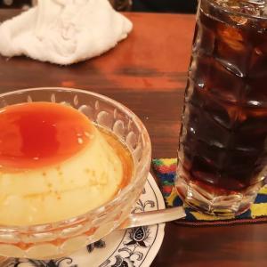 #西新橋ランチ のゴールデンコース。仕上げは #昭和レトロ喫茶 「 #ヘッケルン 」で「 #ジャンボプリン セット」