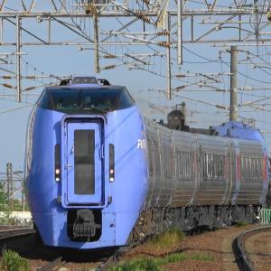 何時もの場所で朝の特急列車を撮影