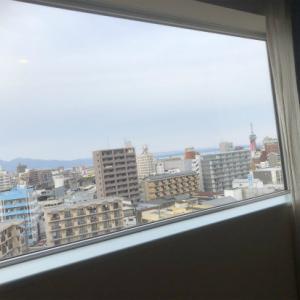 2月11日別府亀の井ホテルに宿泊~カニ食べ放題バイキング会場へ