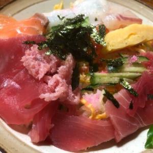 ひな祭りは海鮮ちらし寿司