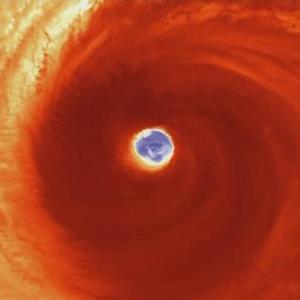 2つの目を持つ台風19号は地球史上最強?カテゴリー6の台風19号から学ぶ大人の経済事情