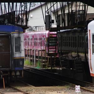 一畑 ご縁電車しまねっこ号(20104+2114) 車庫留置