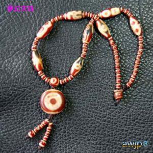 虎牙天地板珠と色々な天珠のペンダントネックレス
