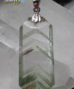 緑金字塔幻影水晶(グリーンファントムピラミッドクォーツ)の ペンダントトップ