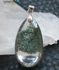 緑庭園水晶のペンダントトップ