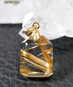 煙金色針水晶(ゴールドルチルクオーツ)のペンダントトップ