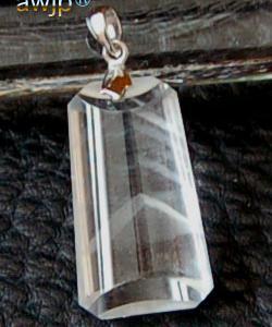 白金字塔幻影水晶(ファントムピラミッド)ペンダントトップ