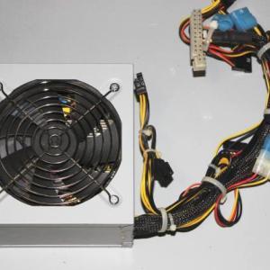 電源ユニットを交換して修理するには?