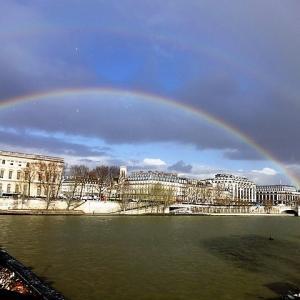 今日は虹の日。ブログスタンプ 6月のあなたはゴールドランクでした!