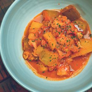 かりもりと旬野菜を使ったミャンマー風チキンカレーのレシピ