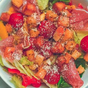 がっつりさっぱり美味しい夏野菜を使ったイタリアン風サラダの作り方