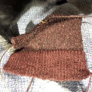 厚地靴下1-3、かかとは引き返し編みで、ハゲがココロ苦しい( ̄▽ ̄;)