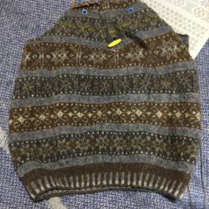 フィンランド毛糸で古典模様、あと15cm、いや18cm?