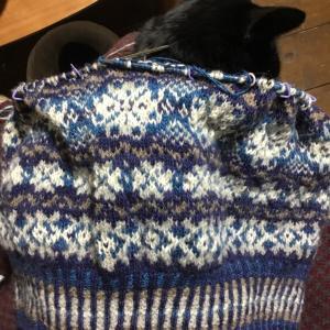 2目ゴム編み完成(気に入り😊)ボディ編みに戻って