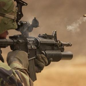 え、秋葉原で銃を撃ってもいいの?アキバベースで撃ちまくれ 海外の反応