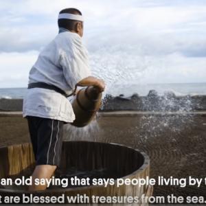 日本に一つしかない伝統の塩づくりが、海外のチャンネルで紹介されました。 海外の反応