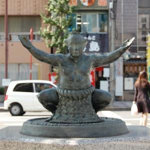 日本の伝統国技♪相撲を見た外国人の感想が→「独特の雰囲気」「なんてかっこいいんだ」海外の反応