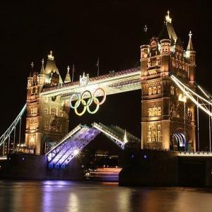 アメリカ元競泳オリンピック金メダリスト米連邦会議乱入で告訴!「メダルの剥奪!」「これで彼の名声も地に落ちたな…」海外の反応