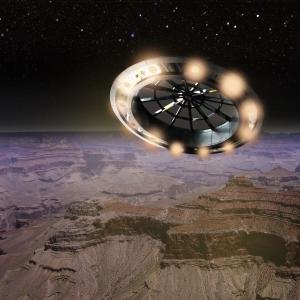元空軍パイロットが明かす、UFO映像の謎「訓練された専門家がコメントするのは素晴らしい」「スターウォーズの船によく似ている」海外の反応