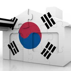 念願のランウェイデビュー!韓国で男性モデルであること「クールなイケメン」「会社のために歩く」海外の反応