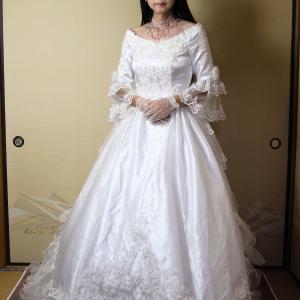 自宅で一人遊び(218) 20年7月(5)大雨も吹き飛ばす華麗なウェディングドレス・・・のはずが