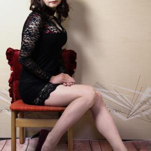 自宅で一人遊び(220) 20年7月(7)胸魅せにこだわる黒レースのドレス