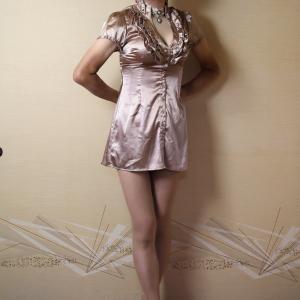 自宅で一人遊び(250) 20年9月(14)ツルツル光沢ブラウスをワンピで着てみた