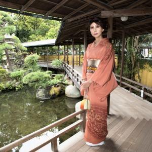 サロンでおめかし(63) 20年9月 着物(屋外・前編) イメージと違う柴又帝釈天の日本庭園