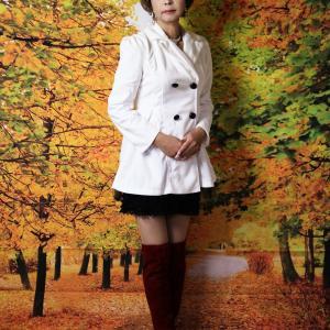 自宅で一人遊び(260) 20年10月(10)秋を先取り コートとニーハイブーツ