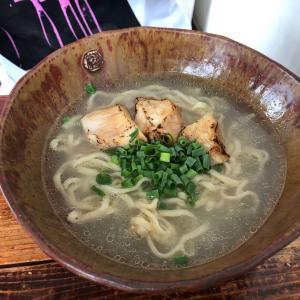 やんばる地鶏を使った「鶏そば屋いしぐふー」で沖縄そばを食べてきた!