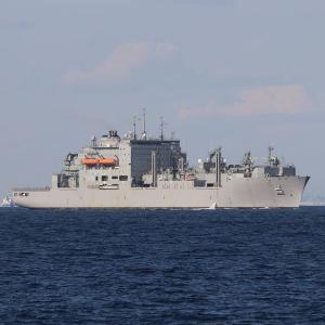 11/4 米海軍補給艦「カールM.ブラシア」、浦賀水道南航