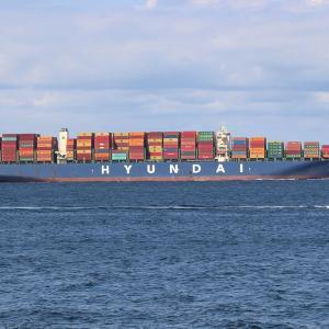コンテナ船 HYUNDAI SATURN