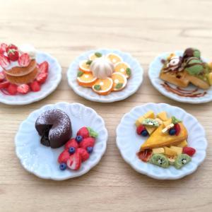 超絶かわいい食品サンプル!オールハンドメイドでお皿は陶器製♪レインボー🌈超精密樹脂粘土 スイーツコレクション on DISH vol.1