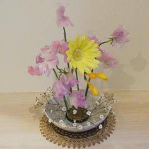 春の季節 が恋しくて♪ こんなお花を飾ってみました。