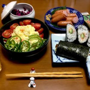 385 明日から盆休み(^^)v,テキトーな巻き寿司とポテトサラダで一杯。