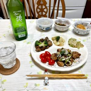 654 砂肝とニンニクの炒め物,鶏モモ山椒焼きで,一杯。