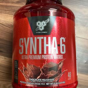 タンパク質含有率驚異の5割未満,だが美味い.BSNシンサ6レビュー