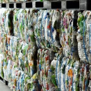 国内対策が急務!世界を取り巻く廃プラ輸出規制が及ぼす影響