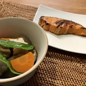 鮭の西京焼きと煮物