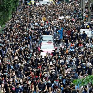 【タイ】 デモにより首都では地下鉄停止