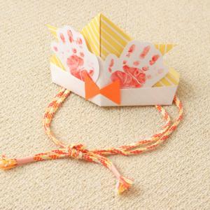折り紙のかぶとをこどもの日に飾ろう!手形&かぶれるサイズでメモリアル感アップ♪