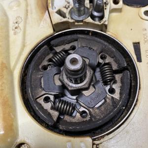 STIHL MS170C-E アイドリングでエンジンが止まる/刃が回る