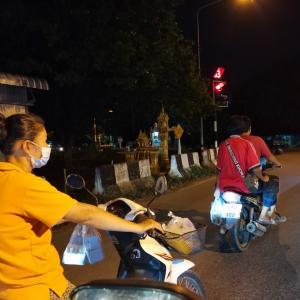 バンコクは5月9日まで各施設閉鎖&マスク未着用罰金です。