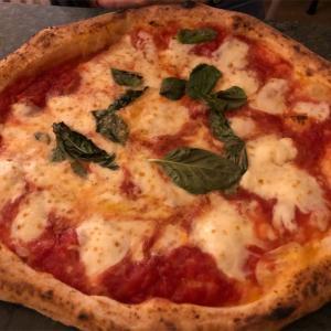 【イタリア紀行】ナポリで食べるピザ