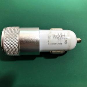 車載USB電源の修理