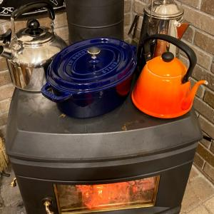 鍋と焚付け作り